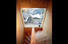 Interior Decorating with OSB (oriented strand board) Oriented Strand Board, Home Stairs Design, Interior Stairs, Interior Exterior, House Design, Stair Design, Cabin Design, Chipboard Interior, Tattoo Studio