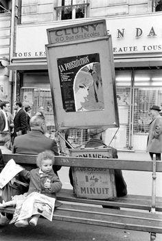 """mignonne-allons-voir-si-la-rose:  """"  Alfred Eisenstaedt, Paris, 1963.  """""""
