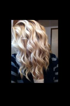 Wand curls. OMG! This is how I want to curl my hair!