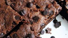 Make delicious, rich gluten-free, dairy-free brownies easily with this simple recipe using coconut flour & substitute maple syrup for the sugar. Recipes Using Coconut Flour, Baking With Coconut Flour, Coconut Oil, Coconut Sugar, Coconut Flour Brownies, Dairy Free Brownies, Cream Cheeses, Sin Gluten, Stevia