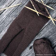 Tovede tøfler - steg for steg - Borrow my eyes Big Knit Blanket, Jumbo Yarn, Big Knits, Cast Off, Knit Pillow, Felted Slippers, String Bag, Stockinette, Knitted Bags