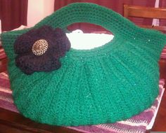 3 days later...whew!  Finally finished the Pleated Crochet Handbag.  Pattern by Kalliedesigns on Etsy.com.