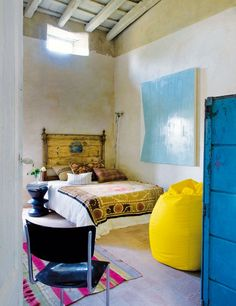 Source: http://www.onekindesign.com/2012/05/06/rustic-chic-farmhouse-in-baix-emporda/#comment-29493    Bedroom, home, colors, yellow, blue