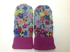 Size Medium/Large  This exquisite mitten was a runner up mitten for Mitten of the Year at Northland Woolens. When purchasing this mitten, if you