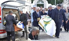 Jose Mourinho said an emotional goodbye to his father Felix on Tuesday morning as he attended his funeral in Setubal, Portugal. Felix passed away at the age of 79 on Sunday evening.
