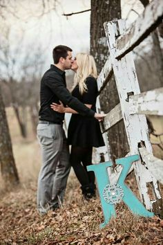 Country Engagement Photos Fall engagement photo poses and pictures Engagement Photo Poses, Engagement Couple, Engagement Shoots, Engagement Photography, Wedding Photography, Fall Engagment Photos, Family Engagement Pictures, Wedding Engagement, Engament Photos