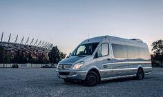 Bus Mercedes Sprinter Vip Class ze skórzaną tapicerką, WiFi, rozkładanymi fotelami, nagłośnieniem, oświetleniem nocnym. Więcej o busach i ich wynajmie na http://www.dar-trans.pl/