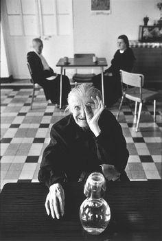 Martine Franck FRANCE. Ile de France region. Town of Ivry sur Seine. Old people's home. 1975.