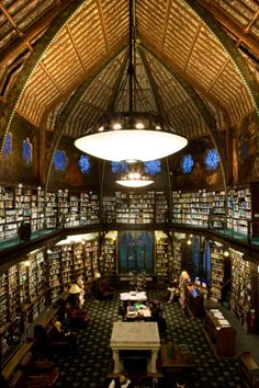 lalibrairie:  The Oxford Union Library, Oxford, United Kingdom On the walls are Pre-Raphaelites murals, painted by Dante Gabriel Rossetti, William Morris and Edward Burne-Jones. It also has a unique clerestory (Wikipedia will tell you all about it here).Suggested by Pretty Mind Clutter, who not only has excellent tastes in library, but a good knowledge of them!