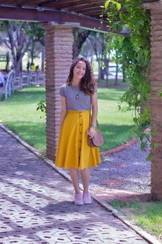 romantic date outfit Girls Fashion Clothes, Teen Fashion Outfits, Cute Casual Outfits, Stylish Outfits, Fashion Dresses, Stylish Dresses, Casual Dresses, Skirt Outfits Modest, Skirt And Sneakers