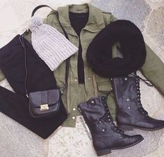 Fall (layering) Outfit -army jacket -black t-shirt -black jeans -grey beanie -black scarf -black combat boots -crossbody purse Look Fashion, Teen Fashion, Womens Fashion, Fashion Trends, Fashion 2018, Fashion Pics, Fashion Clothes, Fashion Outfits, Vintage Hipster