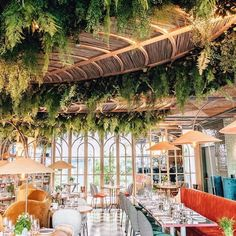 Restaurant Design, Restaurant Bar, Cafe Design, Interior Design, Madrid Restaurants, Cafe Bistro, Outdoor Restaurant, Pink Photo, Pergola