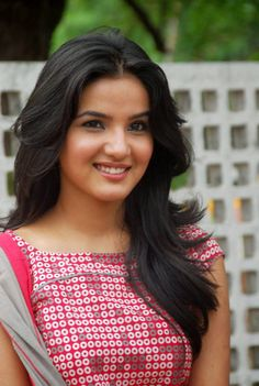 Jasmin Bhasin Photographs ISABELLE KAIF PHOTO GALLERY  | PBS.TWIMG.COM  #EDUCRATSWEB 2020-05-11 pbs.twimg.com https://pbs.twimg.com/media/Bw7wpO3CAAI1cWJ.jpg