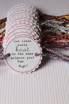 Teach Junkie: 31 creative back to school treats for students {printables} - Friendship bracelets for the class