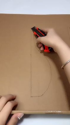 DIY, creative some decoration into life Material: Disused wrapping carton box, Disused rope Tools: knife, scissors Diy Crafts For Home Decor, Diy Crafts Hacks, Diy Crafts For Gifts, Diy Arts And Crafts, Diy Projects, Craft Tutorials, Handmade Crafts, Wall Decor Crafts, Craft Room Decor