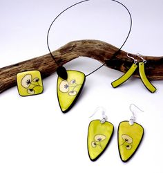 Polymer clay jewellery by P'tits Cailloux Création.
