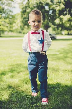 This all-American look is perfect for a 4th of July wedding.