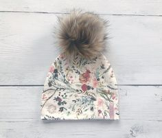 Mountain print slouch beanie, with adorable Faux Fur Pom. The fabric is so soft and stretchy. *Pattern placement will vary. Follow me on Instagram...