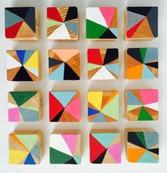 Escultura de bloque de madera de pintura original | Instalación de arte comercial | d. Elizabeth estudios