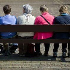 Mensen die gebruik maken van de Wet maatschappelijke ondersteuning (Wmo) en de Participatiewet zijn vaak niet in staat zelf problemen op te lossen.