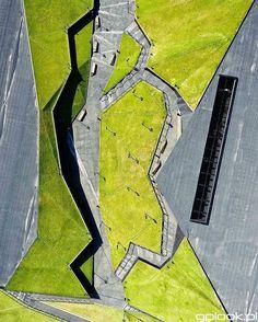WEBSTA @ lovesilesia - Zdjęcie Dnia #132 którego autorem jest @gplookpl.Zielona Dolina, mówią że to architektoniczne dzieło, zgadzacie się? Inni natomiast mówią że to całkiem niedawno odkryty ślad po lądowaniu Spodka