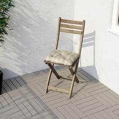 IKEA Quality furniture at affordable prices. Be inspired and find the perfect products to furnish your life. Folding Garden Chairs, Folding Chair, Chair Pads, Chair Cushions, Garden Nook, Home Furniture, Outdoor Furniture, Recycling, Outdoor Chairs