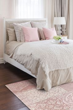 The Matrix Dusky Pink Chenille rug is a flattering addition to any bedroom.  Handmade from best quality 1000% cotton chenille, it's available in two sizes at the moment :) (160 x 240 cm/62 x 94 inches) and (80 x 150 cm/31 x 59 inches)