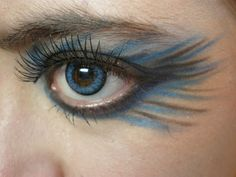 Makeup blue feather eyes