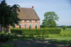 Hulsterhof  Prachtig gerenoveerd landhuis met een mooi uitzicht over de zeeuwse weilanden  EUR 599.87  Meer informatie  #vakantie http://vakantienaar.eu - http://facebook.com/vakantienaar.eu - https://start.me/p/VRobeo/vakantie-pagina