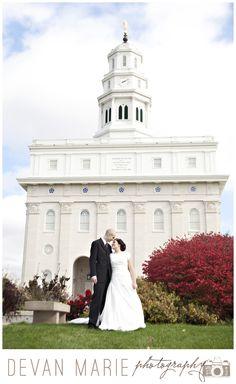 Nauvoo Wedding Photographer | Nauvoo, Illinois LDS temple wedding photography, fall wedding