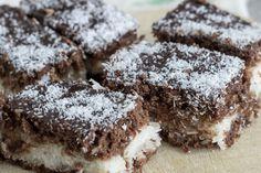 A csokis, kókuszos süti a házi, főzött krémtől lesz igazán ellenállhatatlan.