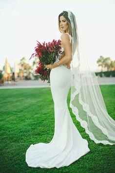 Gorgeous dress and veil