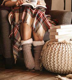 Instagram: @readingwithlucy Bookstagram, Straw Bag, Autumn, Reading, Bags, Instagram, Fashion, Handbags, Moda