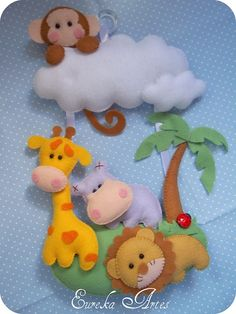 Something for Bonnie or Allan Baby Crafts, Cute Crafts, Felt Crafts, Diy And Crafts, Fabric Toys, Felt Fabric, Sewing Projects, Projects To Try, Felt Mobile