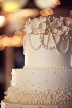 We were thrilled with our fabulous cake from couture cakes of Greenville SC!  www.couturecakesofgreenville.com/