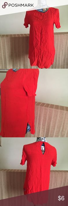 d130503835b9 H&M Red Viscose Top with side slits H&M red top with short sleeves and side  slots