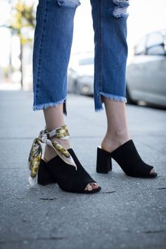 How To Wear Ankle Bandana - LookVine
