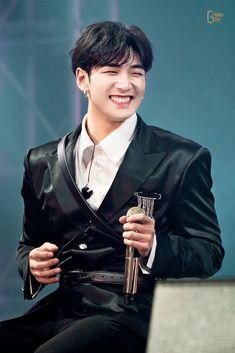 Let's Talk About Love, Boy Idols, Nu Est, King Of Kings, Pop Singers, Jonghyun, Asian Men, Pretty Boys, Beautiful People