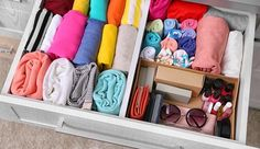 Time to give your home a serious clean. Here are 10 genius tips from organizing queen Marie Kondo. Time to give your home a serious clean. Here are 10 genius tips from organizing queen Marie Kondo. Organisation Hacks, Bookshelf Organization, Dorm Room Organization, Organizing Tips, Organizing Clutter, Container Organization, Organizing Your Home, Konmari Method, Table Design