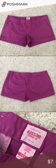 """fuschia shorts 🌼my measurements for reference: 35"""" bust, 28"""" waist, 37"""" hips. 5'7"""". 130lbs.🌼 cute shorts but are just a little tight at the hips for me. hardly worn, in excellent condition! Mossimo Supply Co Shorts"""