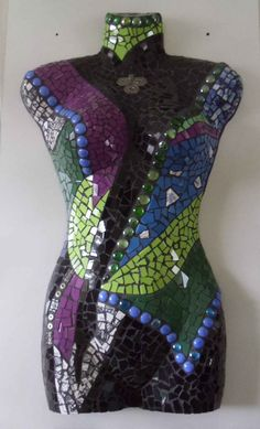 Art mosaic woman torso (mozaïek) from the heart Cristy Kok    MannequinMadness sells used mannequins for art projects like this