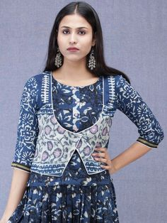 Latest Kurti With Jackets Design - The handmade craft Kurtha Designs, Tunic Designs, Kurta Designs Women, Sleeves Designs For Dresses, Dress Neck Designs, Kurti With Jacket, Kurta Neck Design, Batik Fashion, Kurti Designs Party Wear