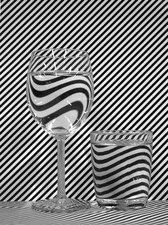 Efecto lupa sobre textura de rayas. #ilusionOptica // Billy Ben