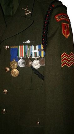 Irish ARW uniform- Lanyard and unit sniper badge in place. The sniper badge is not sanctioned, and is a unit generated badge.