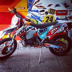 #diseño #vinilo #ploteo #motos #ktm #calcos #stickers #enduro #sixday #tucuman