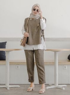 Modern Hijab Fashion, Street Hijab Fashion, Muslim Fashion, Modest Fashion, Korean Fashion, Casual Hijab Outfit, Hijab Chic, Casual Outfits, Mode Outfits