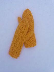 Luovat kädet: Lumo -lapaset Woolen Socks, Marimekko, Mittens, Diy And Crafts, Gloves, Diy Projects, Knitting, Colors, Wool Socks