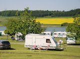 Kemp se rozkládá celkově na 5 hektarech krásné přírody, z toho 1 hektar je volně přístupný les, oáza klidu a ticha, na procházky ve dne i večer. Camping Bucek leží na břehu stejnojmenného rybníka o rozloze cca 10 ha, který přímo vybízí k provozování vodních sportů. Recreational Vehicles, Camping, Campsite, Camper, Campers, Tent Camping, Rv Camping, Single Wide