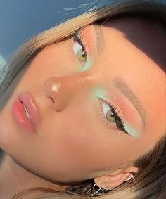 makeup like meghan markle makeup or face first makeup on white dress makeup like marilyn monroe eye makeup tutorial eye makeup remover for lash extensions makeup looks natural makeup kit list Cute Makeup Looks, Makeup Eye Looks, Pretty Makeup, Stunning Makeup, Summer Makeup Looks, Glam Makeup, Eyeshadow Makeup, Sleek Makeup, Makeup Geek