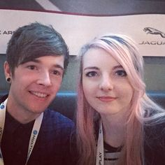 OMG two of my favourite you tubers have met each other!!! Theminecart and LDShadowLady!